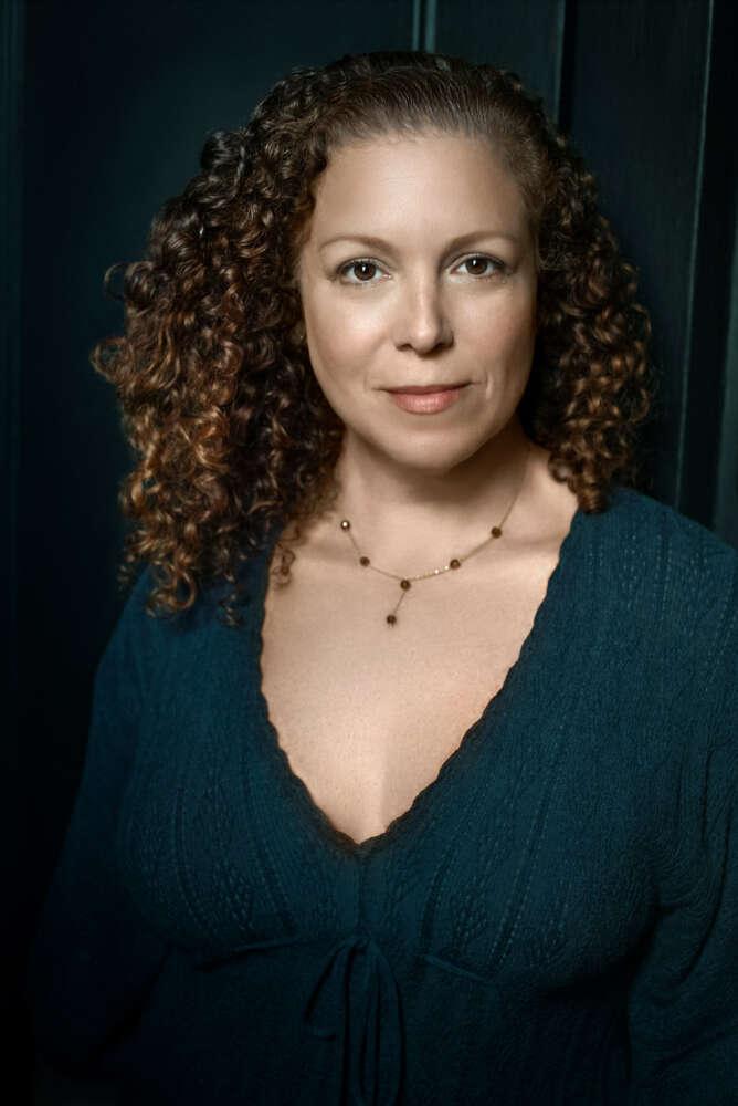 Lauren Dean
