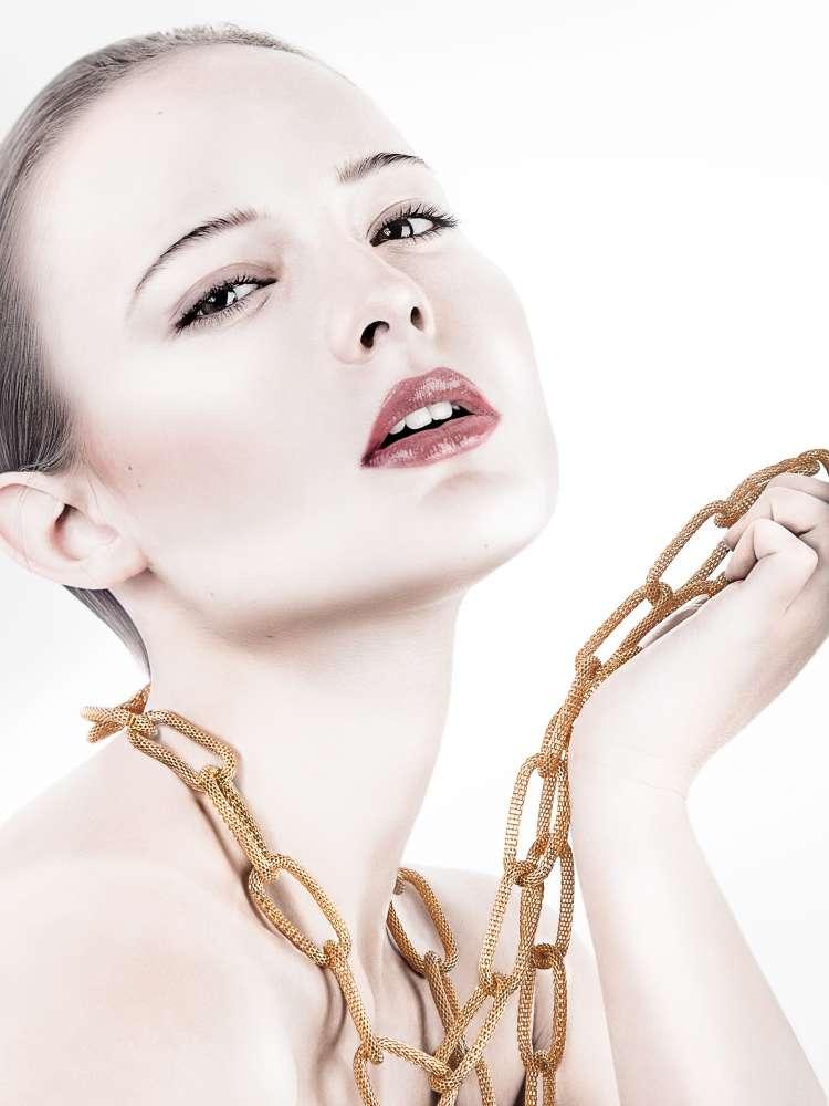 Gold Chain Woman